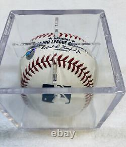 President Donald Trump signed Autographed Official MLB Baseball Authentic w COA