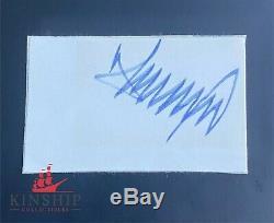 President Donald Trump signed cut signature JSA LOA Bold Auto Z357