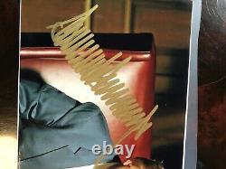 SIGNED PHOTOGRAPH DONALD TRUMP REPUBLICAN 45 PRESIDENT Authentic Autograph, Gold