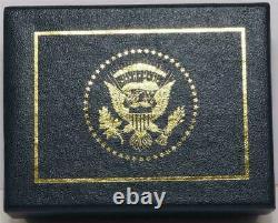 2020 Président Donald Trump Cadeau Maison Blanche Cobalt Gold West Wing Broche Signée