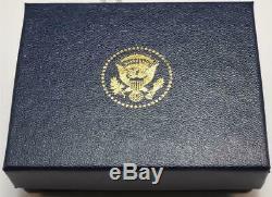 2020 Président Donald Trump Maison Blanche Cadeau Carre D'or Cobalt Boutons De Manchette Signe