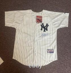 45e Président Des États-unis Donald Trump Autographié Yankees De New York Jersey Bas Rare