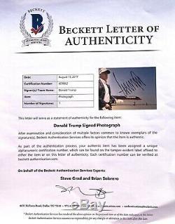 45e Président Donald J. Atout Photo Signee 11x14 America Maga Beckett Bas