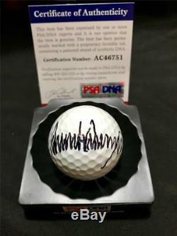 Balle De Golf Signée Par Le Président Donald Trump Avec Autographe De Choix (psa / Dna)