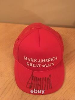 Chapeau Rouge Signé Donald Trump