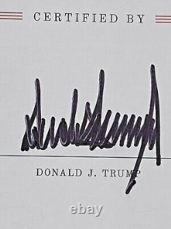 Donald J. Trump A Signé L'élection Officielle De 2016 - L'art De L'accord