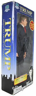 Donald J. Trump Authentique Signé L'apprenti 12 Poupée Parlante Bas # A88687