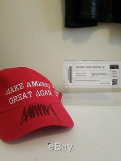 Donald J. Trump Signé Make America Great Encore Une Fois Chapeau Autograph Maga Épreuve Photo