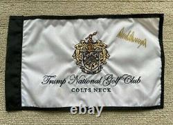Donald Trompette Signé Drapeau De Golf 45e Président Autographié
