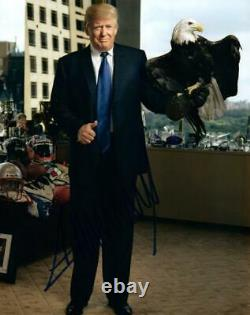 Donald Trump A Autographié 8x10 Photo Signée Avec Coa