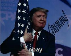 Donald Trump A Signé 8x10 Photo Avec Coa Autographié Photo Très Agréable