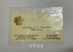 Donald Trump A Signé Autographied Président Business Card Ensemble D'organisations Trump