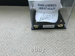 Donald Trump A Signé Chapeau Make America Great Again Jsa Get A Piece Of History