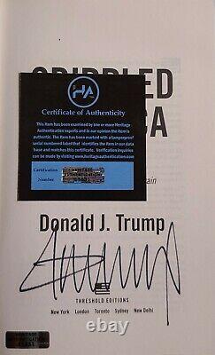 Donald Trump A Signé Crippled America Couverture Rigide Avec Le Coa