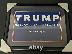 Donald Trump A Signé Sign De Campagne Encadrée Psa Psa Psa Authentique Authentique