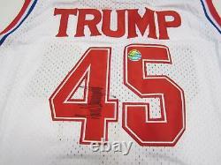 Donald Trump A Signé Un Maillot Autographié Avec Coa