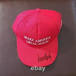 Donald Trump Autographe Signé Maga Chapeau Avec Lettre D'authenticité