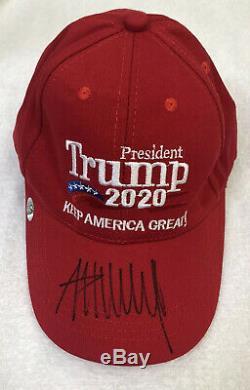 Donald Trump Autographié 2020 Keep America Red Hat Grande Coa