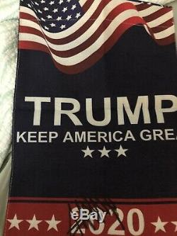 Donald Trump Autographié Signé 2020 Keep America Great 12x18 Drapeau Lawn
