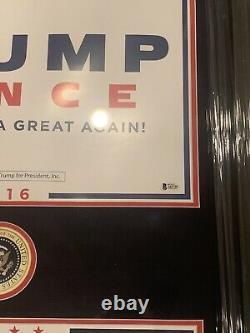 Donald Trump Et Mike Pence Ont Signé Des Affiches