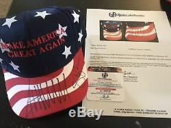 Donald Trump & Mike Pence Dual Signé 2016 Chapeau Maga Rouge Coa Loa Global Ga
