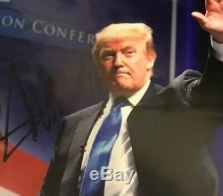Donald Trump Signé Autographié 8x10''45th Président '' Waving De Nice