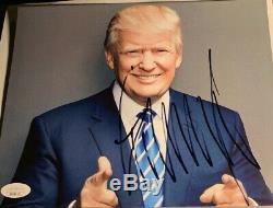 Donald Trump Signé Autographié Photo 8x10 Jsa Loa