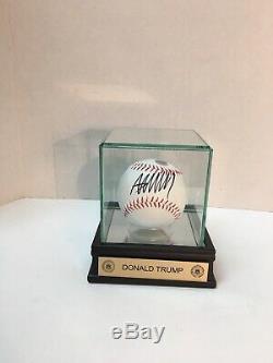 Donald Trump Signé Baseball