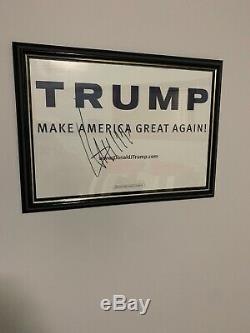 Donald Trump Signé Campagne Poster Encadrement (no Coa)