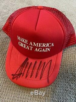 Donald Trump Signée À La Main Maga Hat Avec Coa