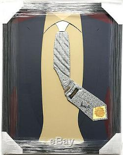 La Cravate Encadrée Autographiée Et Signée Par Le Président Donald Trump Rend L'amérique À Nouveau