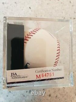 Le Président Donald Trump A Signé Autograph Baseball Jsa Certifié