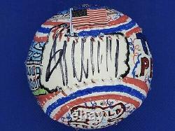 Le Président Donald Trump A Signé Fazzino Peint Baseball Jsa Loa 1/1
