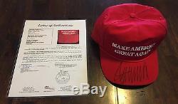 Le Président Donald Trump A Signé La Campagne Rouge Avec Le Chapeau Maga Rouge Officiel De Cali Fame Jsa Rare