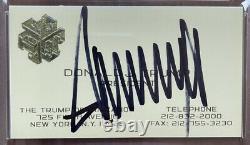 Le Président Donald Trump A Signé La Carte Officielle D'entreprise De L'organisation Trump Psa