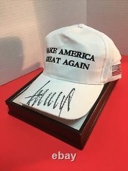 Le Président Donald Trump A Signé Mega Cap