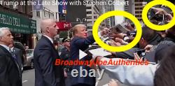 Le Président Donald Trump A Signé Playboy Magazine Auto Auto Exact Video Proof