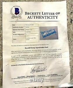 Le Président Donald Trump A Signé Une Carte D'index Avec Lettre Bas D'authenticité