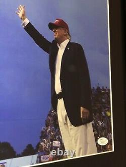 Le Président Donald Trump A Signé Une Photo Encadrée Autographe Maga Kag Jsa Coa