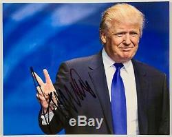 Le Président Donald Trump Autographe Photo 8 X 10 Jsa Président