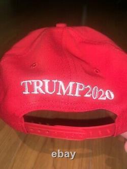 Le Président Donald Trump Dédicacé Make America Great Again Hat Official