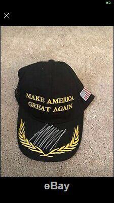 Le Président Donald Trump Signé Noir Maga Hat