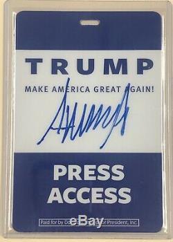 Le Président Donald Trump Signé Press Badge D'accès Jsa Loa Téméraire Auto Autograph