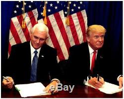 Photo Photo 8x10 Signée Par Donald Trump Avec Un Super Photo Autographié Par Coa