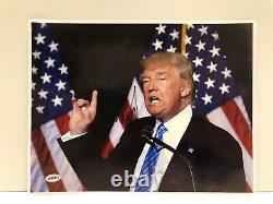 Président À La Main Atout Donald Signe 8x10 Photo Avec Coa