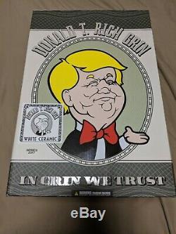 Ron English Grin Donald Trump T Rich Double Signé Gribouillé Nyc Nycc Blanc Céramique