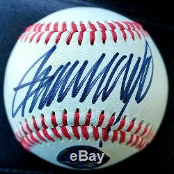 Signé Président Donald Trump Autographed Baseball Coa Maga