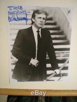 Signée À La Main Jeune Président Photo Donald J Trump Stairs Nouveau York -coa